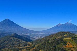 volcanes de guatemala de día