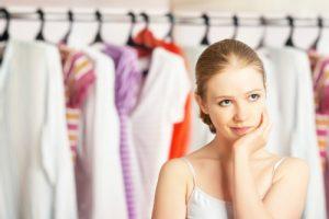 Descubre cómo actualizar tu guardarropa sin gastar tanto dinero