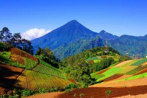 Qué tal hacer un viaje al Volcán Santa María