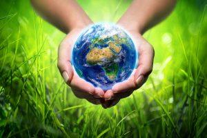 manos representando el cuidado del planeta